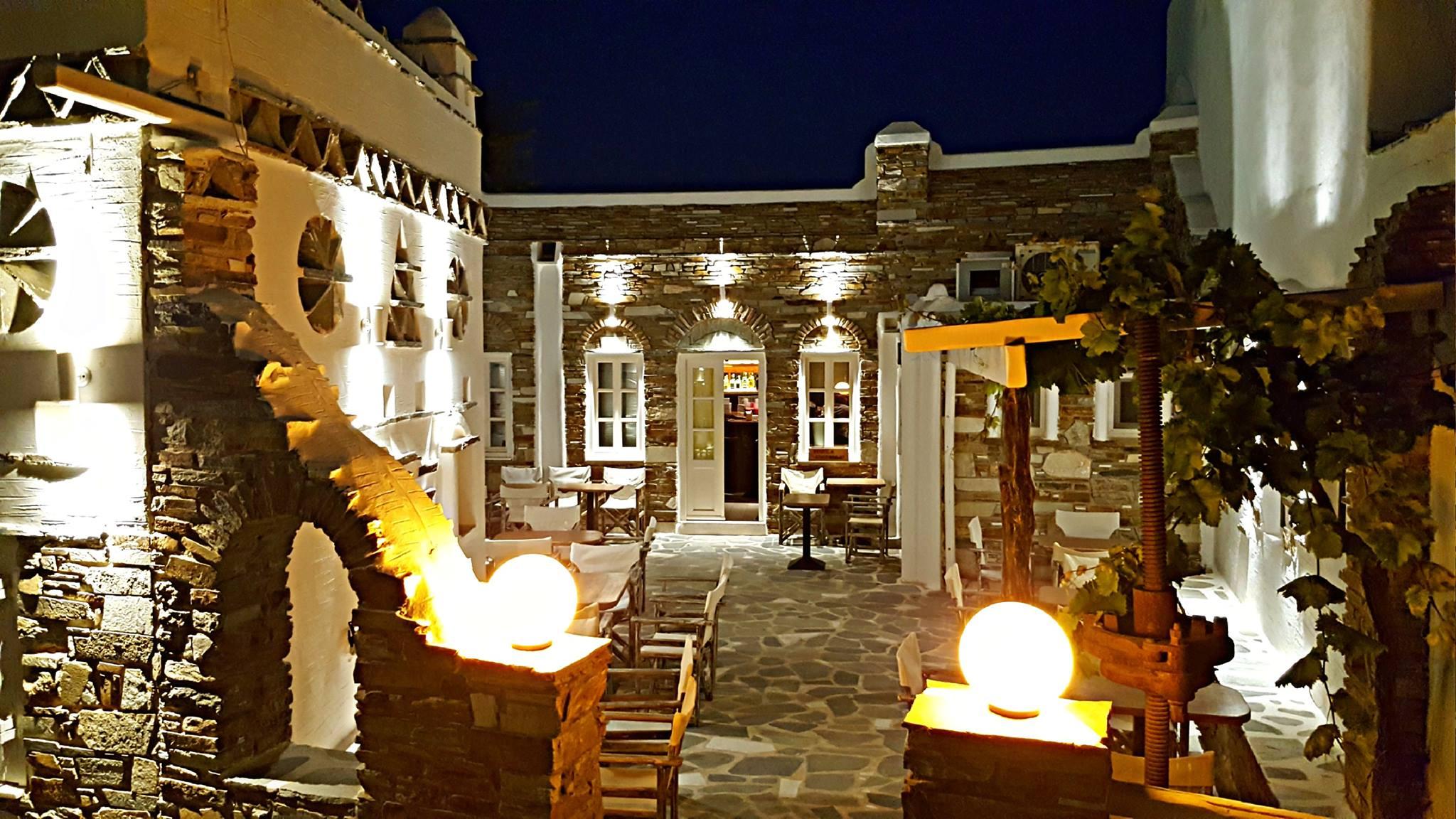 Fabrika Cocktail Bar - Antiparos island, Greece - Antiparos.com